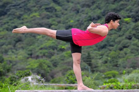 脊椎側彎自癒班:正確使用你的身體,讓脊椎歸位